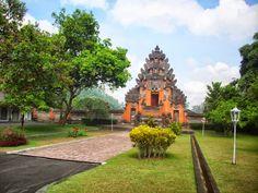 Paket tour bali: Istana Tampak Siring