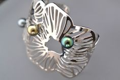 Bracelet Perles de Tahiti http://www.poemotu.com/perles-de-tahiti/fr/vite-un-bijou-envois-sous-48-heures/354-bracelet-manchette-perles-de-tahiti.html