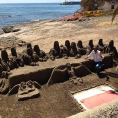 Extreme sandcastling - The Last Supper, Los Cristianos, Tenerife (BEAUTIFUL!)