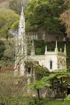 Quinta da Regaleira, a joia mais enigmática de Sintra.