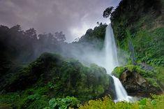 El Leon waterfall, Chile
