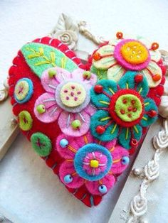HANDMADE For Some One Special This is for a lovely & pretty Japanese art inspired heart shape design felt brooch that I have used different colours beads to light up the brooch that I individually designed and handcrafted. Fabric Art, Fabric Crafts, Sewing Crafts, Sewing Projects, Felt Embroidery, Felt Applique, Embroidery Hearts, Felt Flowers, Fabric Flowers