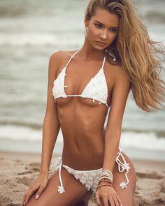 nina agdal photoshoot for sports illustrated swimsuit 2013 Nina Agdal, Sexy Poses, Bikini Babes, Bikini Girls, Hot Bikini, Elite Model, Swimsuits 2014, Sports Illustrated Models, Christie Brinkley
