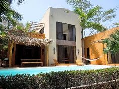 Luxury home with private pool, charming,quiet, walk to the beach,surf, Tamarindo