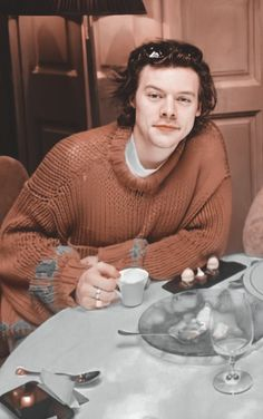 1d Day, Harry Birthday, Bae, Harry Styles Pictures, Harry Styles Wallpaper, Mr Style, One Direction Harry, Treat People With Kindness, Harry Edward Styles