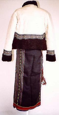 Women's costume from region of county of Suceava, Moldavia