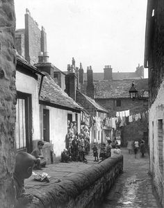 30 Hilltown. North side of Deerhorn Close. | by Dundee City Archives