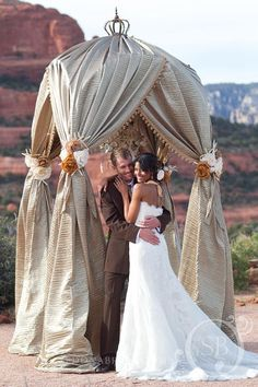 Phoenix Bride And Groom Photo Shoot http://eventsbyshowstoppers.com/phoenix-bride-and-groom-sedona-feature