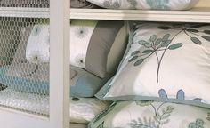 Pillow Details. Love the solid edges.
