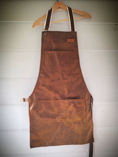 Fully custom made just for you (or gift recipient) canvas apron. I will make a pattern from some simple measurements to make it fit like a glove! Barber Apron, Elf Clothes, Canvas Leather, Waxed Canvas, Work Aprons, Corporate Wear, Leather Apron, Aprons For Men, Fur Clothing