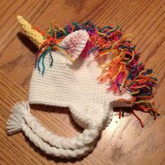Unicorn hat! *OMG I NEED THIS!*