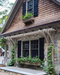 13 Clever Ways to Dress Up Your Home's Exteriors - Connecticut Cottages & Gardens - March 2018 - Connecticut Exterior Connecticut, Home Landscaping, Front Yard Landscaping, Exterior Paint, Exterior Design, Outdoor Window Shutters, Cottage Exterior, Garden Cottage, Home Design Decor