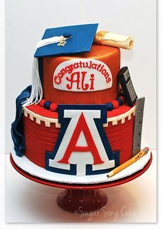 U of Arizona Graduation Cake - over cake incorporating Arizona colors, logo, and iconic campus motifs such as red brick and copper. Graduation Desserts, Graduation Cake, Graduation Ideas, College Graduation, University Of Arizona, Cake University, Arizona Wildcats, U Of Arizona, Arizona State