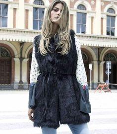 colete de pelo comprido | carrie preto | coleteria in the city