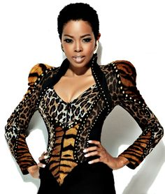 Malinda Williams in a fresh-to-death top/jacket combo...or is this a jacket? Either way, I love it.