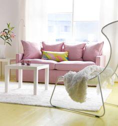 IKEA Österreich, Inspiration, Wohnzimmer, rosa, Bettsofa HÄRNÖSAND, Beistelltisch LACK, Teppich HAMPEN, Kissen MALIN LÖV, Plaid OFELIA, Sessel IKEA PS