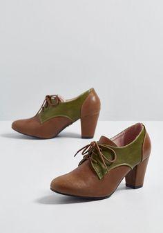 18f121a08c9a 168 Best Vintage type shoes images