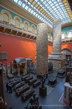 V - Victoria & Albert Museum #london #art #accorcityguide The nearest Accor hotel : Mercure London Kensington