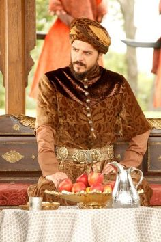 Şehzade Mustafa ❤️ was my favorite character from Magnificent Century because he was the only one to be honest and kind out there Series Movies, Tv Series, Visual Aids, Movie Costumes, Arabian Nights, Period Dramas, Celebs, Celebrities, Aladdin