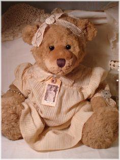~ Free Tutorials ~  Thrift bear goes vintage..  beautiful!