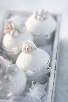 Rose pearl cupcakes!
