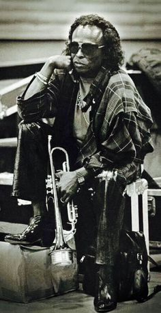 Miles Davis - Badass of the Horn Louis Armstrong, Jazz Artists, Jazz Musicians, Music Artists, Smooth Jazz, Music Icon, My Music, Francis Wolff, Cool Jazz