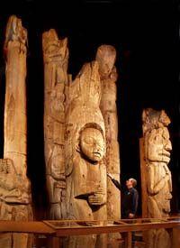 Totem Heritage Center was established in 1976 to preserve endangered century totem poles retrieved from uninhabited Tlingit and Haida village sites near Ketchikan. Ketchikan Alaska, Native Art, Native American Art, Native Indian, Alaska Travel, Alaska Trip, Alaska Usa, Rainy City, Tlingit