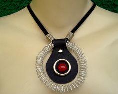 Conjunto colar e pulseira com espirais