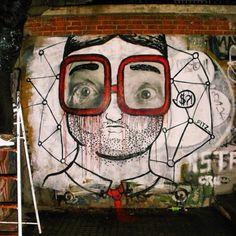 #street #streetart #streetartgalerie #art #artist #arturbain #urbanart #sunglasses #lunette #mode #streetstyle #collection #grafgiti #tag #crew #mur #murales #mural #red #fendi #chanel #soniarykiel #saintgermaindespres #paris #fw #aw