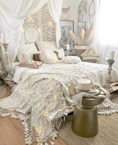 ☑Boho Room Inspiration And Bohemian Bedroom Design Bohemian Bedroom Design, Boho Bedroom Decor, Boho Room, Home Bedroom, Bedroom Ideas, Bohemian Bedrooms, Girl Bedrooms, Bedroom Inspo, Bedroom Designs