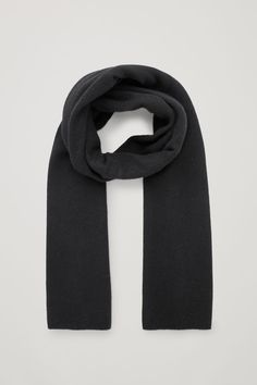 A black cashmere scarf is a classic you won't regret having in your wardrobe.Timeless and versatile, this large rectangular scarf is made from pure cashmere with an extra-soft, fuzzy finish. Cashmere Color, Cashmere Scarf, Modern Wardrobe, Wool Scarf, Womens Scarves, Pure Products, Cos, How To Wear, Clothes