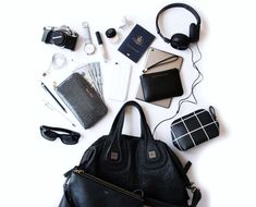 Arrived in New York City - jet lag is kicking in! Now live o Travel Purse, Travel Packing, Travel Bags, Travel Flatlay, Travel Photography Tumblr, Flat Lay Photography, What In My Bag, What's In Your Bag, Jet Lag