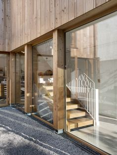 Wooden stairs with white metal design - Family house - Valentine Bärg Architectures Wooden Stairs, Architecture, Room, House, Furniture, Metal, Design, Home Decor, Village Houses