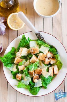 Sałatka cezar przepis Meat Salad, Food L, Caesar Salad, Salad Bowls, Salads, Dinner, Vegetables, Healthy, Hot