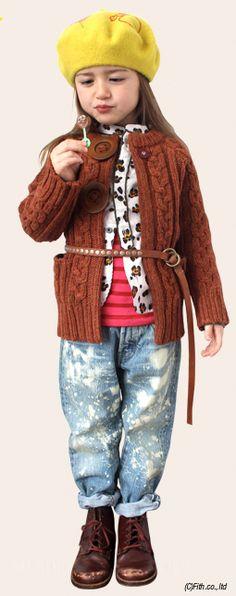 Baret; Denim, knit cardigan: Go to Hollywood, shirt; Fith, T-shirt; Denim, denim pants; Denim, belt Go to Hollywood x