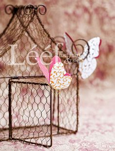 Pienk Afrikaans Quotes, Chicken Wire, New Journey, Wire Art, Illustrations Posters, Arts And Crafts, Place Card Holders, Butterfly, Creative