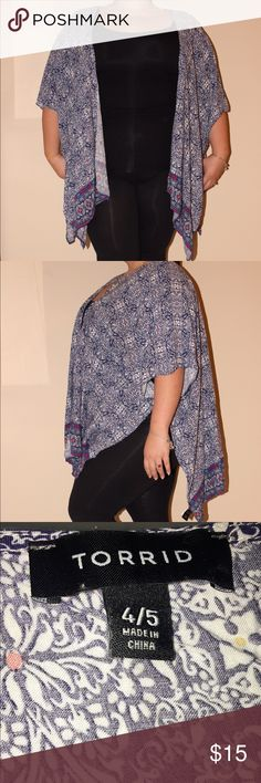 Multicolor Torrid Kimono This kimono is so breezy and so soft and comfy. Worn less than five times. Put it over a cami and jeans/leggings. #size4 #Torrid #plussize #plussized #plus #curvygirls #kimono #pattern torrid Jackets & Coats Capes