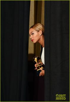 Beyonce: Grammys 2013 Winners Room Photos!  Peek-A-Boo!!