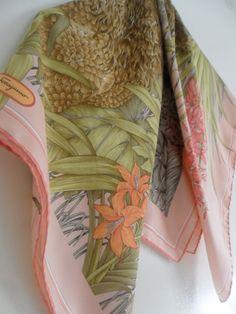 543f17751ef9 carré soie foulard SALVATORE FERRAGAMO,seta sciarpa,seidetuch,ferragamo  silk scarf,luxe,vintage,accessoire,femme   Illustration, Art, and Design in  2018 ...