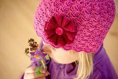 Ravelry: Little Sister pattern by Linda Permann Knitting For Kids, Crochet For Kids, Free Crochet, Knit Crochet, Baby Girl Crochet, Crochet Baby Hats, Crochet Beanie Hat, Girl With Hat, Little Sisters