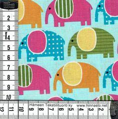 E347 tilkkutyökangas -värikkäät norsut, siniturkoosi tausta