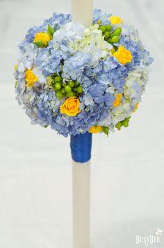 Lumanare botez hortensii, mini rose si hypericum Wedding Bouquets, Wedding Brooch Bouquets, Bridal Bouquets, Wedding Bouquet, Wedding Flowers