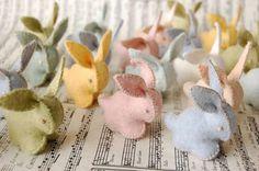 Pasqua fai da te con il feltro - Coniglietti tridimensionali con il feltro
