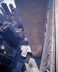 NYC, NY, World Trade Center, Twin Towers, looking down at Austin Tobin Plaza, designed by Minoru Yamasaki, International Style II
