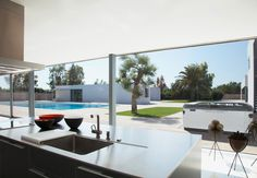 The interplay between shape and colour – Bold outdoor whirlpool tubs from Villeroy & Boch Custom Countertops, Quartz Kitchen Countertops, Outdoor Countertop, Garage To Living Space, Living Spaces, Hot Tub Privacy, Jacuzzi Outdoor, Kitchens And Bedrooms, Whirlpool Tub