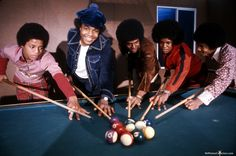 The Jackson 5 in 1972 The Jackson Five, Jackson Family, Michael Love, Michael Jackson, Familia Jackson, Apple Head, The Jacksons, Beautiful Costumes, American Singers