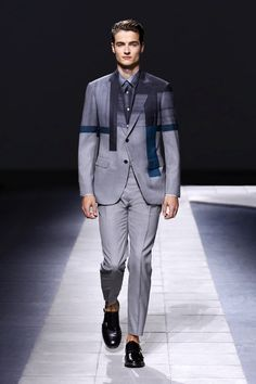 LOOKSS16_2 - Shop the Brioni Official Online Store, an exclusive brand of tailored clothing, made-to-measure service, and sportswear for men.