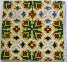 Lote de 30 Azulejos de Triana Mensaque, Rodriguez y Cía. siglo XIX -28 cm. x 14 cm. Envío incluido.