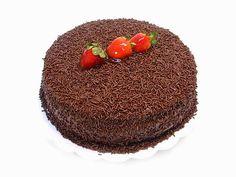 Enrico Picciotto Receitas: Bolo de Chocolate com Recheio de Brigadeiro