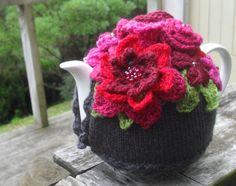 The Gratitude Tea Cozy | Crochet with Raymond